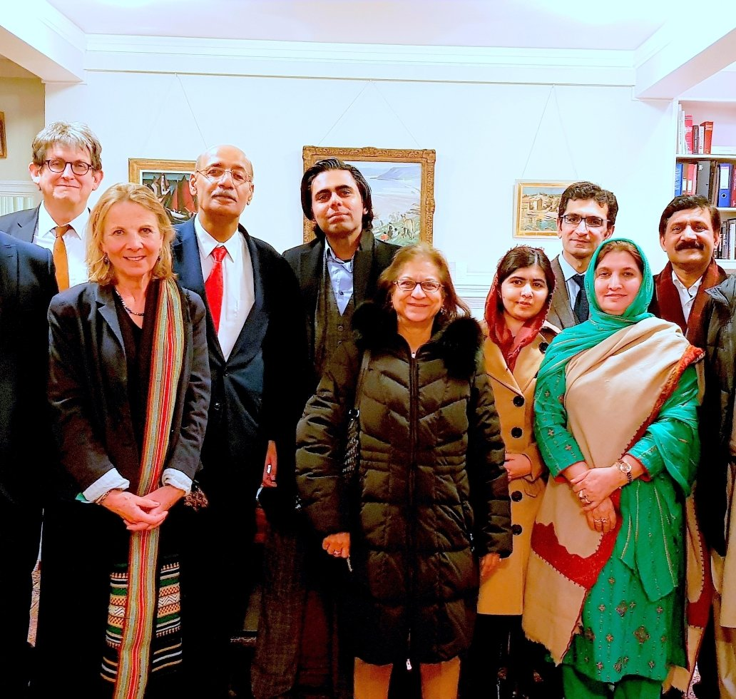 Fraz Wahlah with Asma Jehangir (UN Human Rights Rapporteur), Malala (Nobel Laureate), Victoria Schofield (leading historian and a friend of former Prime Minister Benazir Bhutto), Alan Charles Rusbridger (former Editor - The Guardian), Ziauddin Yousafzai (leading author and education activist, Nadir Cheema (Teaching Fellow - SOAS)